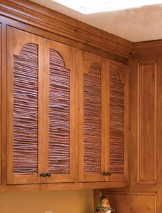 """""""Sombraje"""" - New Mexican craft using twigs to make shutters and screens."""
