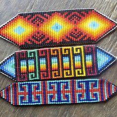 #bracelet #manilla #Embera #indigenous #unisex Peyote Patterns, Bracelet Patterns, Beading Patterns, Mexican Pattern, Native American Art, Loom Beading, Erika, Beadwork, Friendship Bracelets