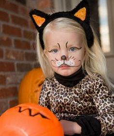 Easy cat face painting simple yet dramatic cat face painting cat face makeup ideas for kids solutioingenieria Choice Image