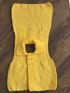Cutting Candy Knit Baby Vest Making - Babykleidung Baby Knitting Patterns, Knitting For Kids, Knitting Stitches, Baby Girl Vest, Baby Dress, Gilet Crochet, Knit Crochet, Pull Bebe, Knit Baby Sweaters