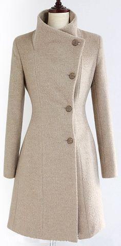 Quiero que esta chaqueta de lana. Tiene una bonita forma.