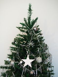 http://trendesso.blogspot.sk/2013/12/our-christmas-tree-nas-vianocny-stromcek.html