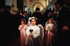Little angels / Before the procession on Good Friday - Processione dei Misteri, Trapani, Sicily