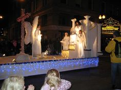 christmas floats | Photoblogging the annual Knoxville Christmas Parade : Knoxville ...