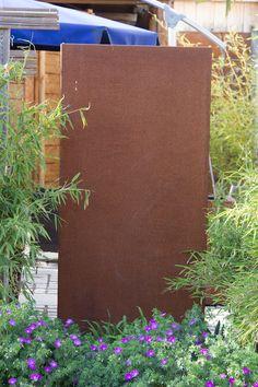 PARAS Sichtschutzobjekt zugewachsen im Garten. Sehr schön!