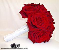 Simple rose bouquet for bride