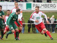#Kevin #Kahlert rennt in den Strafraum vom #FCSchönberg.