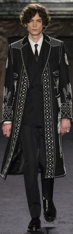 www.2locos.com Valentino Fall 2016 Menswear