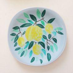 צלחת עוגה / מנה ראשונה - לימונים רקע תכלת | LULI handmade | מרמלדה מרקט