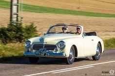 Simca 8 Sport aux 48h Automobiles de Troyes #MoteuràSouvenirs Reportage : http://newsdanciennes.com/2016/09/12/les-48h-automobiles-de-troyes-2016-cetaient-quatre-jours-de-bonheur/