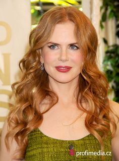 you can try this Nicole Kidman's hairstyle with your own photo upload at easyHairStyler