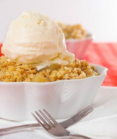 3 Ingredient Crock Pot Apple Dump Cake - Books & Cupcakes
