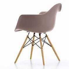 Vitra Eames DAW stoel met geelachtig esdoorn onderstel   FLINDERS verzendt gratis