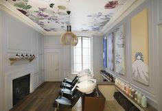 Salone di bellezza con interni di design a Londra