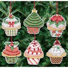 A Handmade Cross Stitch Ornament is an amazing decoration. Make stunning Cross Stitch Ornaments with these Kits for your own home and to to give as gifts!