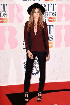 Cara Delevingne de Saint Laurent #brit15