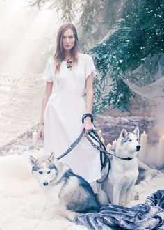 The Snow Queen: Josephine Le Tutour by Alexandra Sophie for Harper's Bazaar UK January 2017 - Chanel Fall 2016 Haute Couture Snow Queen, Ice Queen, Josephine Le Tutour, Fashion Bazaar, Haute Couture Looks, Wolves And Women, Harper's Bazaar, Snow Fashion, White Fashion
