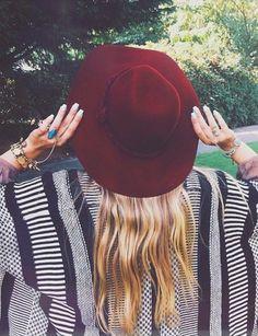 Burgundy Hat with boho cardigan Boho Fashion, Fashion Beauty, Womens Fashion, Net Fashion, Fashion Outfits, Mode Style, Style Me, Estilo Folk, Grunge