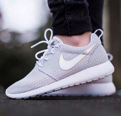 3bc9007b38f4d Mens Womens Nike Shoes 2016 On Sale!Nike Air Max  Nike Shox  Nike Free Run  Shoes  etc. of newest Nike Shoes for discount saleWomen nike nike free Nike  air ...