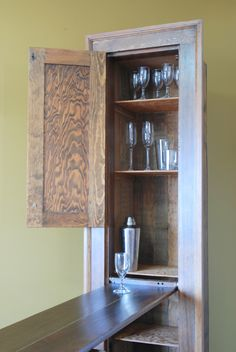 Murphy Bar - Unique liquor cabinet and bar built from a modified antique ironing board von KTIndustries auf Etsy https://www.etsy.com/de/listing/184167860/murphy-bar-unique-liquor-cabinet-and-bar