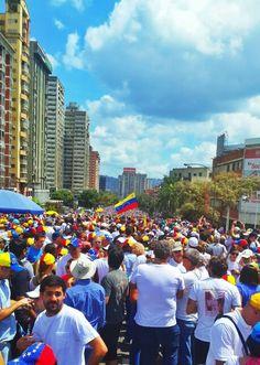 Venezolanos por la paz en Caracas (3) | @Felix Aprea