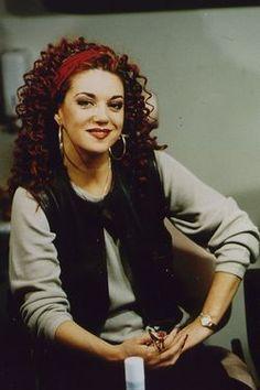 L- Sylvia Millecam (Den Haag, 23 februari 1956 - Nijmegen, 20 augustus 2001) was actrice, zangeres, comédienne en presentatrice van onder andere Knoop in je Zakdoek - Foto ANP - Sylvia Millecam was a Dutch actress, singer, comedienne and TV presenter.