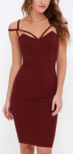 Maroon Midi Dress ==