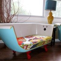Such a good idea for an old claw-foot tub!