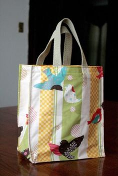 Assortment of free patterns plus.... Incredible 1-Hour Tote Bag (Easy Sewing Pattern)