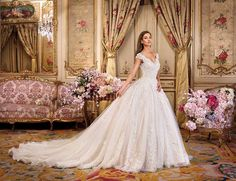 Wedding Dress Photos - Find the perfect wedding dress pictures and wedding gown photos at WeddingWire. Browse through thousands of photos of wedding dresses. Wedding Dresses Sydney, Lace Wedding Dress, Wedding Dress Pictures, Luxury Wedding Dress, Wedding Dress Shopping, Perfect Wedding Dress, Bridal Gowns, Wedding Gowns, Gown Photos