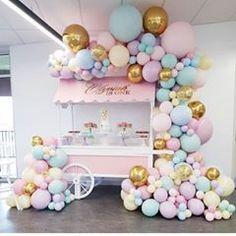 No photo description available. Carousel Birthday Parties, Girl Birthday Decorations, Girl Baby Shower Decorations, Tea Party Birthday, Baby Girl Birthday, Birthday Balloons, Birthday Party Themes, Baloons Wedding, Deco Ballon