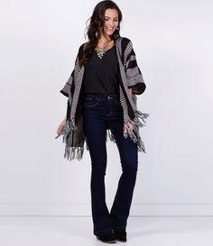 Casaco feminino  Modelo capa  Listrado  Com franjas  Marca: Marfinno  Tecido…