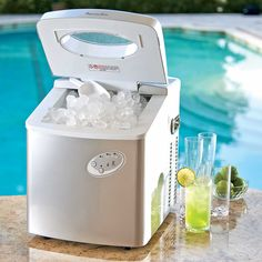 Refill drinks without missing a minute of your summer party with a commercial-quality electric ice maker – you'll have ice in less than 10 minutes with 3 different colors to choose from.