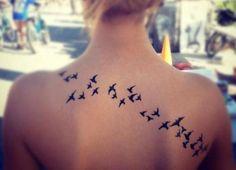 Tatuajes chica alma libre aves