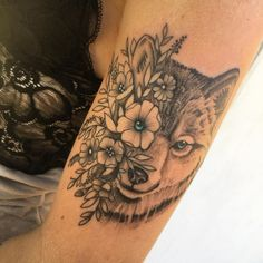 Top Tattoos, Body Art Tattoos, Sleeve Tattoos, Tattoo Ink, Tattos, Family Tattoos, Sister Tattoos, Wolf Tattoo Design, Tattoo Designs