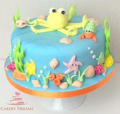 Fondant-Torten Basiskurs - die Ergebnisse können sich sehen lassen.  www.cakerydreams.de #cake #sea #ocean# motivtorte #fondant #torte
