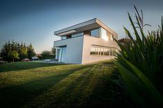 Finde minimalistische Häuser Designs: Gartenansicht. Entdecke die schönsten Bilder zur Inspiration für die Gestaltung deines Traumhauses.