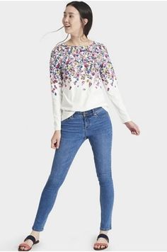 168881 - Joules Monroe Skinny Stretch Jeans QVC Price: + P&P: or 3 Easy Pays of +P&P in 4 colour options JOULES MNROE SKNY JN Blue/Black Size 8 Outer: cotton, polyester, lycra; inner: cotton, polyester Machine washable at Joules Clothing, Qvc Uk, Blue Skinny Jeans, Stretch Jeans, Well Dressed, New Outfits, Spring Summer Fashion, Jeans Size, Clothes For Women