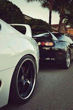 Black & White Supras