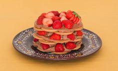 クリームとビスケットを重ねるだけ! ビスケットケーキ。/デコ・チョコ・スイーツ(「はんど&はあと」2013年2月号)