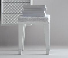 Cocò by Falper | Stools / Benches  Trend Bathroom #design #bathroomdesign #bathroomdesignideas #arredobagno #furniture #mobili #white