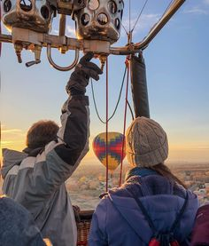 Take a bucket list adventure! Book your hot air balloon ride today. Air Balloon Rides, Hot Air Balloon, Adventure Bucket List, Colorado Springs, Places To See, Balloons, Rainbow, Book, Travel