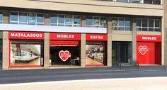 TIENDA DE MUEBLES BOOM en GIRONA CARRER BARCELONA 59  (Parking gratuíto para clientes de mobles BOOM) GIRONA