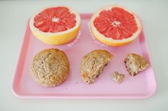 Whole grain spelt banan muffins, blood grapefruit