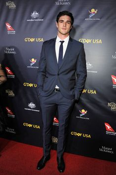 Jacob Elordi attends the 2019 USA Gala at on January 2019 in Culver City, California Cute Celebrities, Celebs, Noah Flynn, Young Cute Boys, Kissing Booth, Le Male, Cute Actors, Hot Boys, Pretty Boys