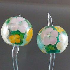 PIKALDA=handmade lampwork 2 glass beads earring flower blossom=EVERGREEN=SRA