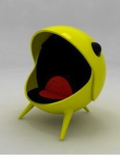 PacMan Chair..this + Totoro bed would make my room complete!!