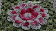 Professora Simone - Flor em crochê Rainha Max.  /  Simone teacher - crochet Blossom Queen Max -