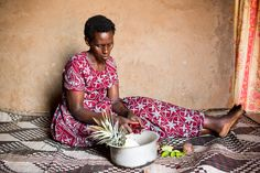 Peeling fruit in Rwanda (Photo credit: Esther Havens) Growing Vegetables, Photo Credit, Short Sleeve Dresses, Fruit, Fashion, Moda, Fashion Styles, Backyard Farming, Planting Vegetables