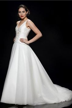 bcb14e04691 Stewart Parvin  Dreams may come true  designer sample ballgown wedding dress